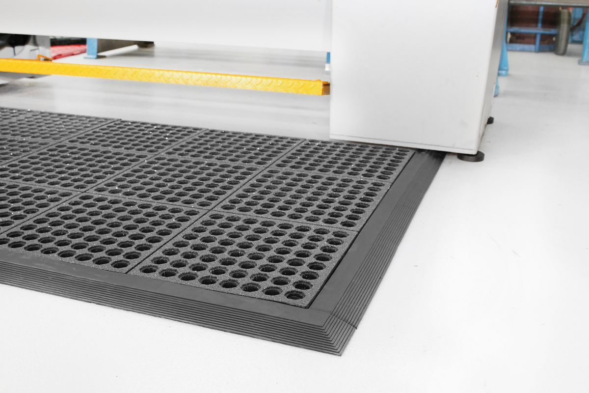 bodenfliesen fatigue step grit top 900 x 900 mm g nstig kaufen sch fer shop. Black Bedroom Furniture Sets. Home Design Ideas