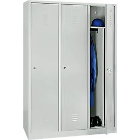 Kleiderspind, 3 Türen, mit Hutboden, Kleiderstange und Trennwand, B 1200 x H 1800 mm