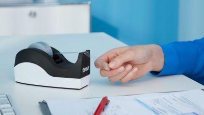 Sparset Tischabroller tesa Easy Cut® ORCA + 8 Rollen tesafilm®, für Rollen bis B 19 mm