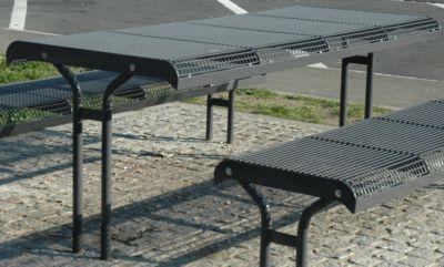 Tafel Essen, voor een bank met 4 zitplaatsen, voor inbouw in beton, poedergecoat, wijnrood, voor de inbouw in een bank met 4 zitplaatsen.