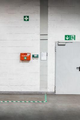 Vloermarkeringstape Durable, tweekleurig, zelfklevend, div. kleuren, 30 m lang, groen/wit