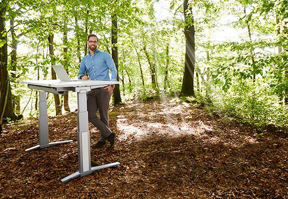 Höhenverstellbarer Schreibtisch - Ergonomie ist überall möglich