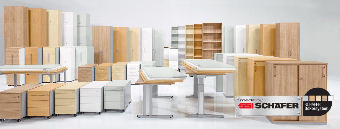 Büromöbel in unterschiedlichen Farben und Dekoren