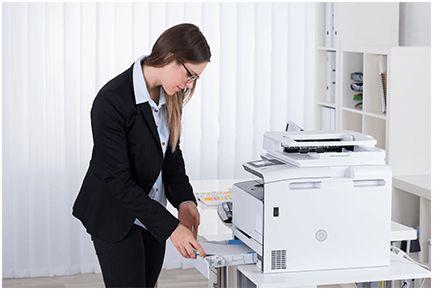 Steek kopieerpapier op de juiste manier in de printer